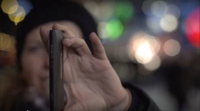 Promo Video – Nokia Lumia 800 – Design & User Interface